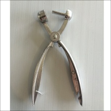 Descarozador de Aceitunas 18 cm.