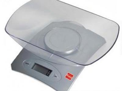 Balanza digital de cocina. Cuori