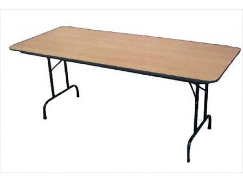 Mesa de conferencia 75x1.80cm madera compuesta c/patas de metal